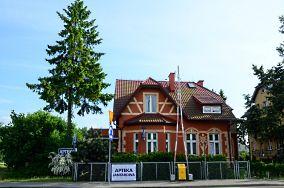 """Apteka Jantarowa - ul. Gdańska 23 - Stegna [Apteki i drogerie]<br><a href=""""?s=nadmorskie-poi&o=we&id_kat=2&id_m=187&id=1443"""">pokaż szczegóły punktu...</a>"""