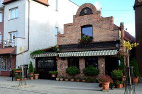 """Checz - ul. Wiejska 107 - Hel [Restauracje, bary i kawiarnie]<br><a href=""""?s=nadmorskie-poi&o=we&id_kat=5&id_m=52&id=85"""">pokaż szczegóły punktu...</a>"""