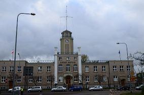 """Urząd Morski w Gdyni - ul. Chrzanowskiego 10 - Gdynia [Ochrona wybrzeża]<br><a href=""""?s=nadmorskie-poi&o=we&id_kat=33&id_m=37&id=4780"""">pokaż szczegóły punktu...</a>"""