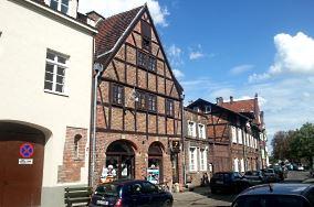 """Happy Seven Hostel - ul. Grodzka 16 - Gdańsk [Noclegi]<br><a href=""""?s=nadmorskie-poi&o=we&id_kat=104&id_m=35&id=4223"""">pokaż szczegóły punktu...</a>"""