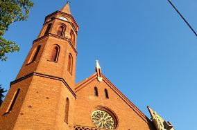 """Kościół rzym-kat. pw. św. Piotra Apostoła - ul. Lipowa 2 - Międzyzdroje [Kościoły i kaplice]<br><a href=""""?s=nadmorskie-poi&o=we&id_kat=25&id_m=116&id=1538"""">pokaż szczegóły punktu...</a>"""