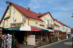 """Pizzeria Casa Nostra - ul. Władysława IV 6 - Darłowo [Restauracje, bary i kawiarnie]<br><a href=""""?s=nadmorskie-poi&o=we&id_kat=5&id_m=25&id=1451"""">pokaż szczegóły punktu...</a>"""