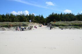 """41 - Karwia [Wejścia na plażę]<br><a href=""""?s=nadmorskie-poi&o=we&id_kat=13&id_m=77&id=240"""">pokaż szczegóły punktu...</a>"""