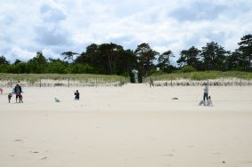 """7 - Chałupy [Wejścia na plażę]<br><a href=""""?s=nadmorskie-poi&o=we&id_kat=13&id_m=18&id=265"""">pokaż szczegóły punktu...</a>"""