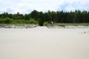 """8 - Chałupy [Wejścia na plażę]<br><a href=""""?s=nadmorskie-poi&o=we&id_kat=13&id_m=18&id=266"""">pokaż szczegóły punktu...</a>"""