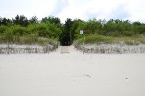 """12 - Chałupy [Wejścia na plażę]<br><a href=""""?s=nadmorskie-poi&o=we&id_kat=13&id_m=18&id=271"""">pokaż szczegóły punktu...</a>"""