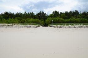 """14 - Chałupy [Wejścia na plażę]<br><a href=""""?s=nadmorskie-poi&o=we&id_kat=13&id_m=18&id=272"""">pokaż szczegóły punktu...</a>"""