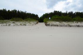 """21 - Chałupy [Wejścia na plażę]<br><a href=""""?s=nadmorskie-poi&o=we&id_kat=13&id_m=18&id=279"""">pokaż szczegóły punktu...</a>"""