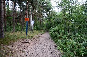 """1 (ląd) - Gdańsk [Wejścia na plażę]<br><a href=""""?s=nadmorskie-poi&o=we&id_kat=13&id_m=35&id=2711"""">pokaż szczegóły punktu...</a>"""
