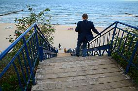 """22 - Rewal [Wejścia na plażę]<br><a href=""""?s=nadmorskie-poi&o=we&id_kat=13&id_m=162&id=158"""">pokaż szczegóły punktu...</a>"""