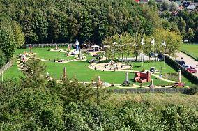 """Park Miniatur Latarni Morskich - ul. Ludna 16 - Niechorze [Muzea i zabytki]<br><a href=""""?s=nadmorskie-poi&o=we&id_kat=3&id_m=123&id=2445"""">pokaż szczegóły punktu...</a>"""