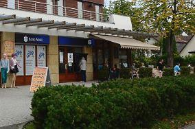 PKO BP - ul. Piastów 1A - Mielno [Bankomaty i kantory]