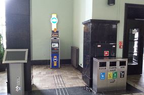 """Euronet (Gdynia Główna) - Gdynia [Bankomaty i kantory]<br><a href=""""?s=nadmorskie-poi&o=we&id_kat=9&id_m=37&id=3654"""">pokaż szczegóły punktu...</a>"""