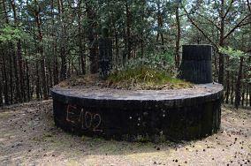"""Rezerwuar - Hel [Dawne obiekty wojskowe - 03 BAS]<br><a href=""""?s=nadmorskie-poi&o=we&id_kat=89&id_m=52&id=4943"""">pokaż szczegóły punktu...</a>"""